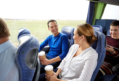 Gruppe-Reisebus-Kaffee