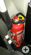 Feuerlöscher - jedes Fahrzeug ist mit mind. einem Feuerlöscher ausgestattet.